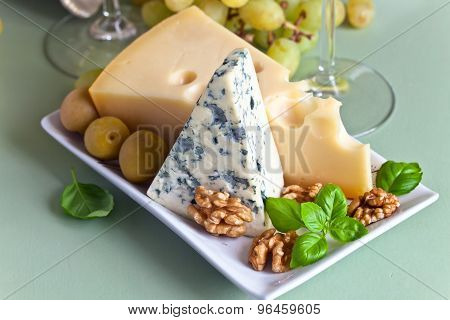 Cheese With Fruits