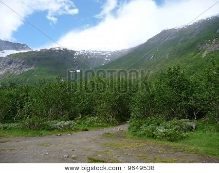 Snowy mountains, in Norway