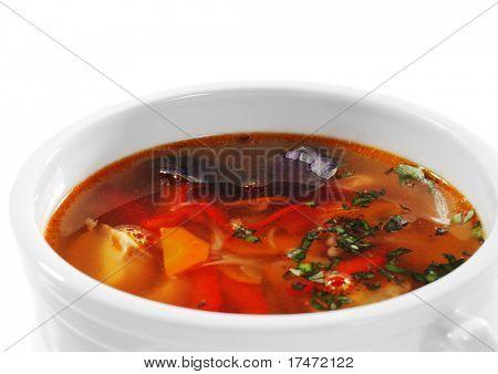 Fischsuppe ist einer breiten, Gewürze und sauer-Suppen. Isoliert auf weißem Hintergrund