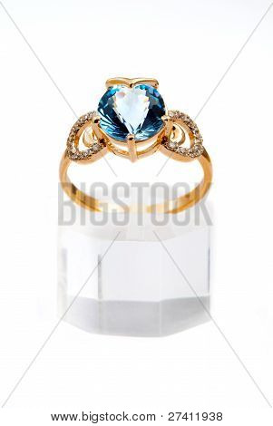 Elegant Jewelry Ring With Sapphire