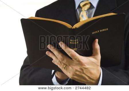 Pregador com Bíblia