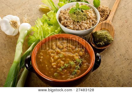 spelt soup and spelt with pesto