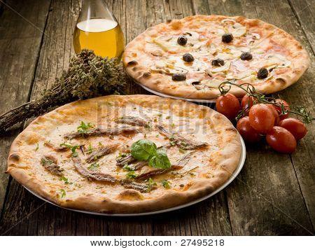 pizza napoli and capricciosa