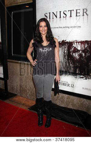 LOS ANGELES - OCT 30:  Rileah Vanderbilt arrives at the