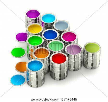 latas con pinturas de colores