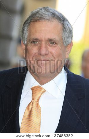 LOS ANGELES - OCT 1: Les Moonves at a ceremony as Mark Harmon is honored with a star on the Hollywood Walk of Fame on October 1, 2012 in Los Angeles, California