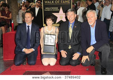LOS ANGELES - OCT 3: Andrew Lincoln, Gale Anne Hurd, Leron Gubler, James Cameron as Gale Anne Hurd is honored with a star on the Hollywood Walk of Fame on October 3, 2012 in Los Angeles, California