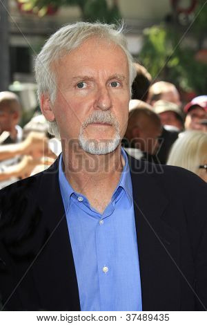 LOS ANGELES - OCT 3: James Cameron at a ceremony as Gale Anne Hurd is honored with a star on the Hollywood Walk of Fame on October 3, 2012 in Los Angeles, California