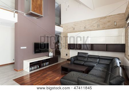 Grand Design - Spacious Living Room