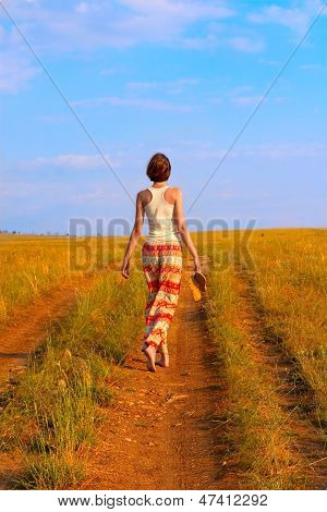 Slender Woman To Walk On The Earth Road