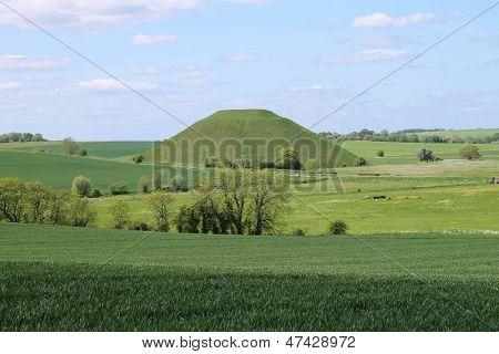 Silbury Hill prehistoric artificial chalk mound Wiltshire England