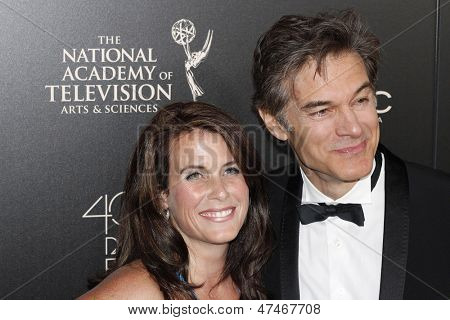 BEVERLY HILLS - JUN 16: Lisa Oz, Dr Mehmet Oz at the 40th Annual Daytime Emmy Awards at The Beverly Hilton Hotel on June 16, 2013 in Beverly Hills, California