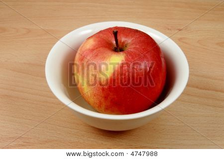 Red Appli In Plate