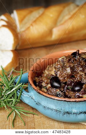 Fig Tapenade With French Bread