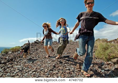 3 Kids Running