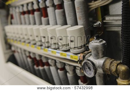 Centralized Heating And Air Conditioning System