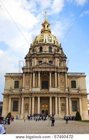 PARIS, FRANCE -APRIL 30:Chapel of Saint Louis des Invalides on APRIL 30, 2011 in Paris.
