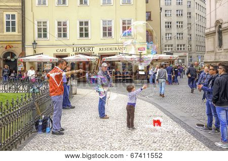 Prague, Game With Soap Bubbles