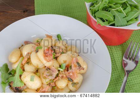 Schwarzwald Gnocchi With Ham, Onion And Wine