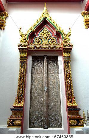 Thai buddhism temple door, Nakhon Pathom