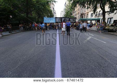 Lavender line along Fifth Avenue