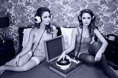 Постер, плакат: Record Playing Disco Twins On Bed