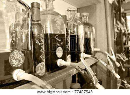 Mallorquin oils and vinegars in a store