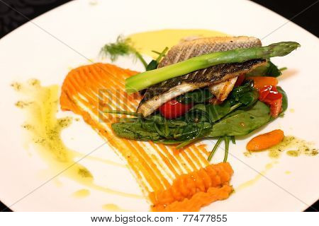 White fish with asparagus