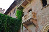 picture of juliet  - The history Romeo and Juliet Balcony in Verona - JPG