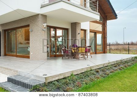 Residence With Porch