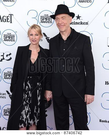 LOS ANGELES - FEB 21:  J.K. Simmons & Michelle Schumacher arrives to the 2015 Film Independent Spirit Awards  on February 21, 2015 in Santa Monica, CA