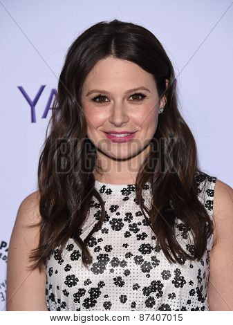 LOS ANGELES - MAR 08:  Katie Lowes arrives to the Paleyfest 2015