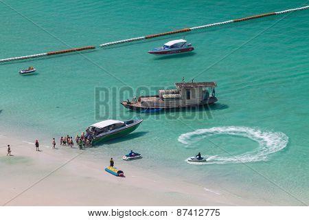 Koh Larn Island Tropical Beach In Pattaya City, Chonburi Thailand.
