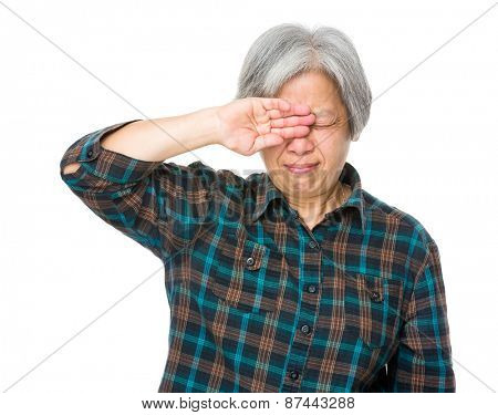 Old lady feel pain of eye