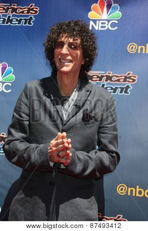LOS ANGELES - FEB 8:  Howard Stern at the America's Got Talent Photocall at the Dolby Theater on FEB 8, 2015 in Los Angeles, CA