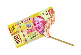 pic of pesos  - Five hundred peso bill being burned by a lid match - JPG
