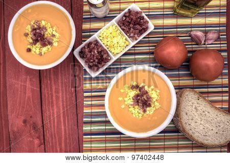 Salmorejo Horizontal Overhead Left Down