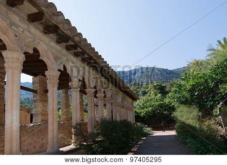 Monastir De Miramar Vaults