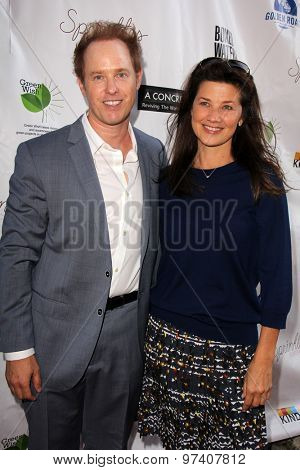 LOS ANGELES - JUL 29:  Raphael Sbarge, Daphne Zuniga at the