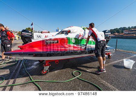 Team Abu Dhabi Boat Preparations