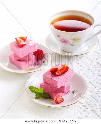 Homemade Berry Marshmallow Bars