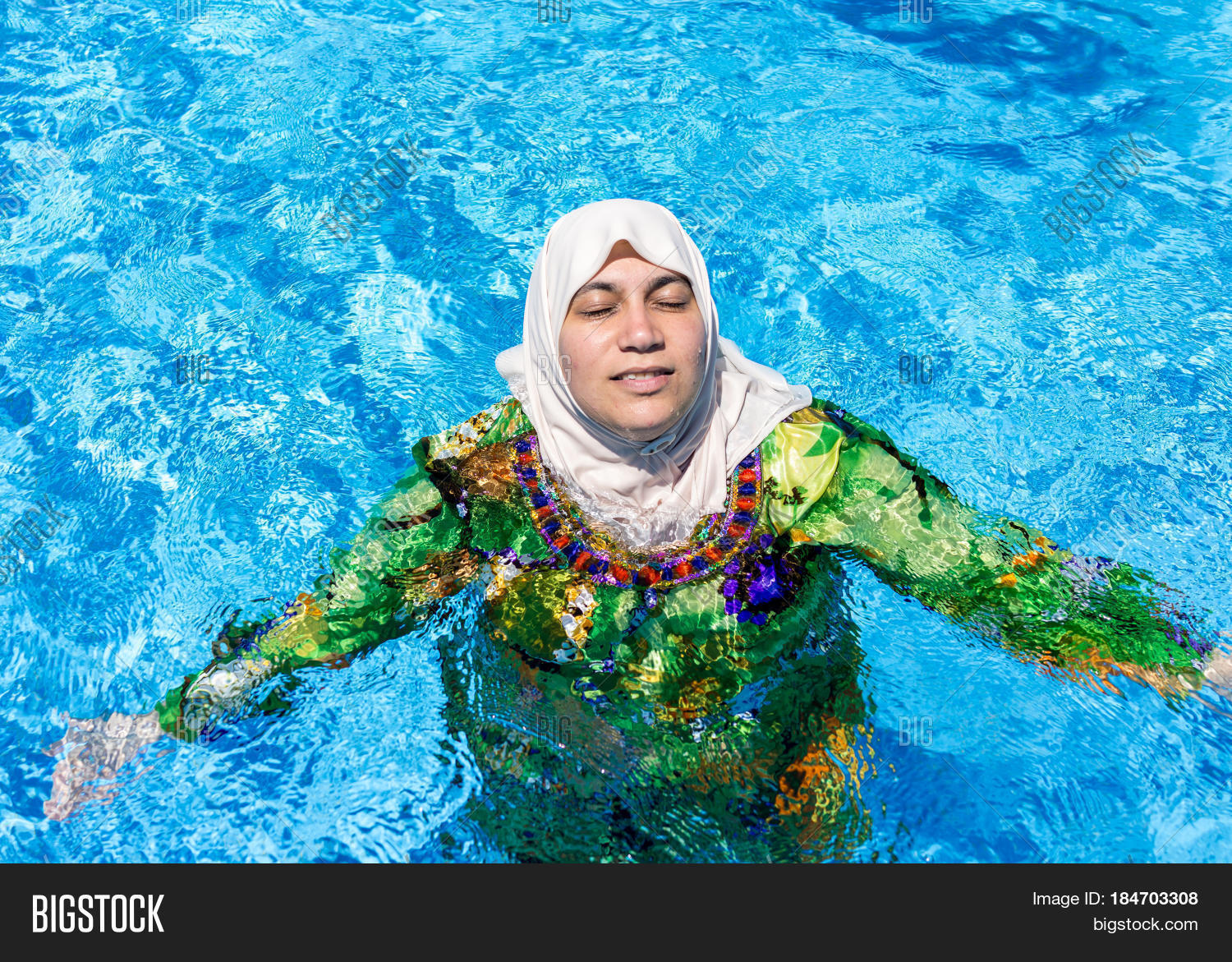 big pool muslim personals Big tits colombian sex-bomb shara lopez is in the mood for some naughty fun today  samanta lily and her equally busty friend demmy blaze at an indoor swimming pool.