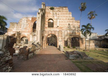 Ruinas De Hospital San Nicolas De Bari