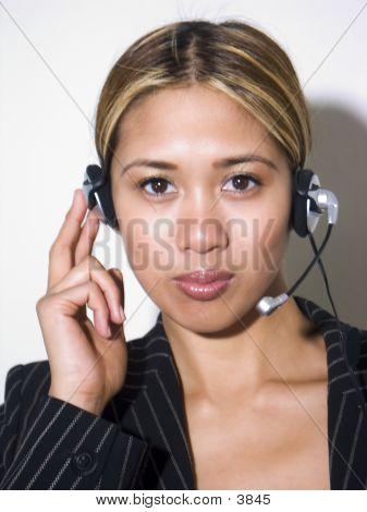 Rachelle Headset 1