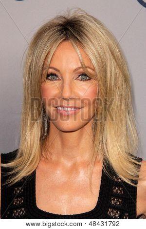 LOS ANGELES - 24 de JUL: Heather Locklear llega a la fiesta de aniversario 25 de TNT en el Beverly Hilto