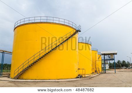 Metal Oil Tanks
