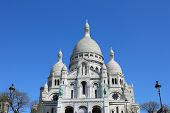 pic of moulin rouge  - The architecture of Sacre Coeur - JPG
