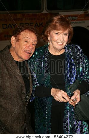 LOS ANGELES - NOVEMBER 09: Jerry Stiller and Anne Meara at the Los Angeles Premiere of