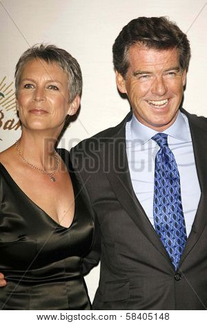 LOS ANGELES - NOVEMBER 09: Jamie Lee Curtis and Pierce Brosnan at the 2006 Partners Award Gala presented by Oceana at Esquire House November 09, 2006 in Los Angeles, CA.