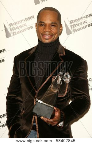 LOS ANGELES - NOVEMBER 21: Kirk Franklin in the press room at the 34th Annual American Music Awards at Shrine Auditorium on November 21, 2006 in Los Angeles, CA.